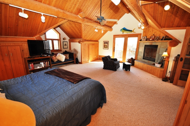 Yellowstone River Retreat with Virtual Tour by Jason Frey