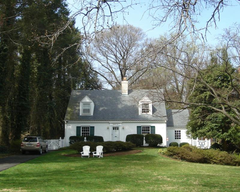 Charming old Cape Cod Style Home in Woodside Park