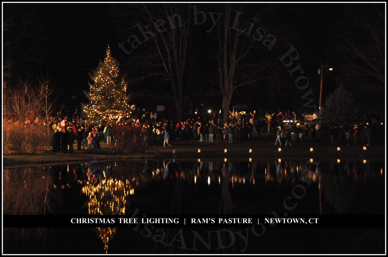 newtown 39 s annual tree lighting ceremony at ram 39 s pasture 2010. Black Bedroom Furniture Sets. Home Design Ideas