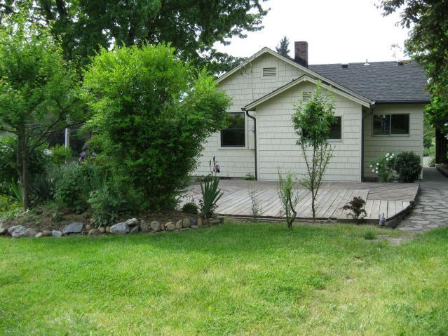 multi family homes for sale grants pass  oregon