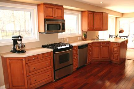 512 Oakwood Drive Pickering - Kitchen to Den