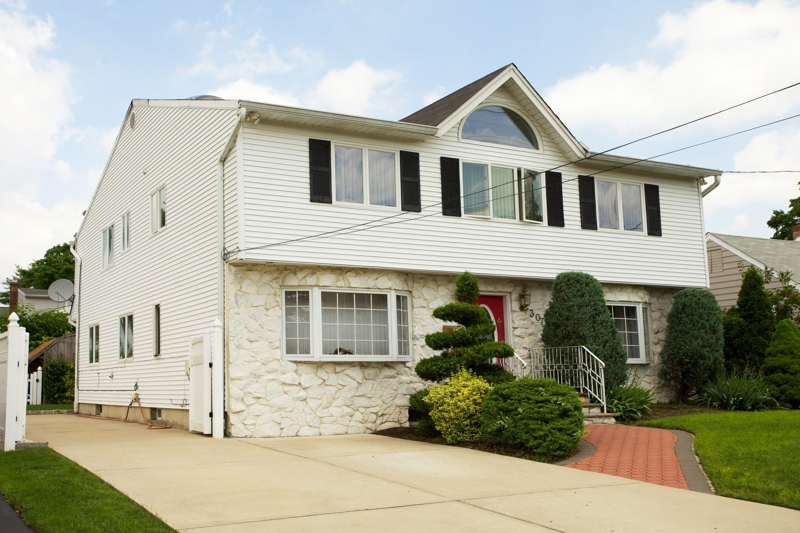 Newly Marketed Five Bedroom Center Hall Colonial In Fair Lawn