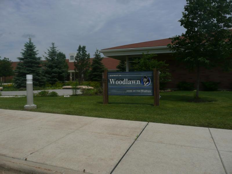 Woodlawn Junior High, Long Grove