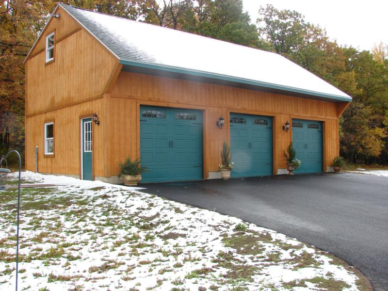 For sale 11 acre horse farm in carbon county near for Garage with loft for sale