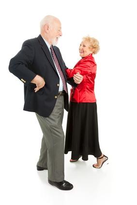 Для пожилых людей танцевальные движения могут оказаться не только