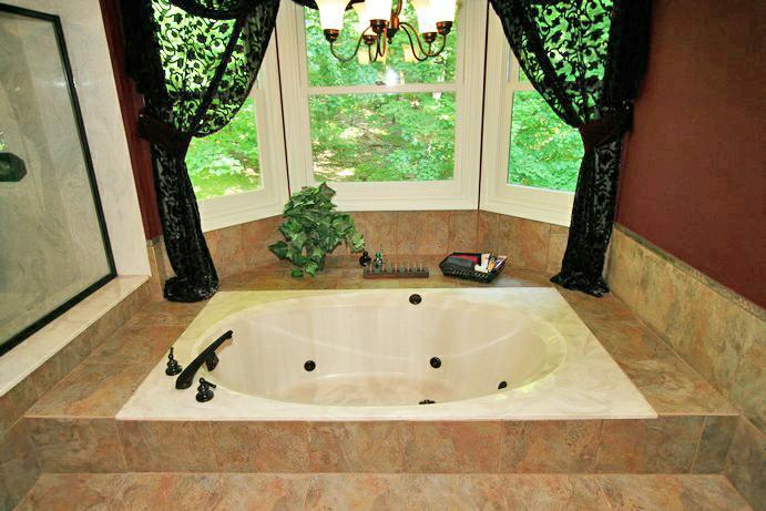 shiloh woods - master bath jacuzzi