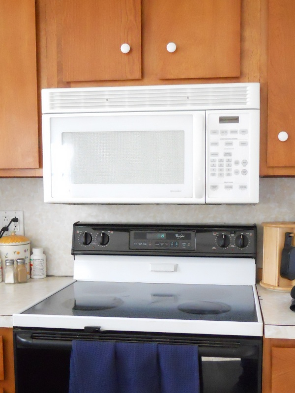 Is This Too Close The Combination Microwave Range Hood