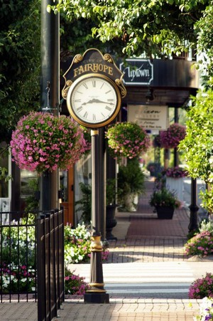 Fairhope clock downtown