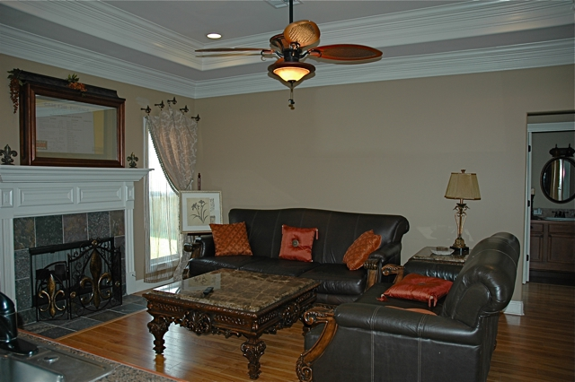 305 Forest Creek in Scott Louisiana, Living room