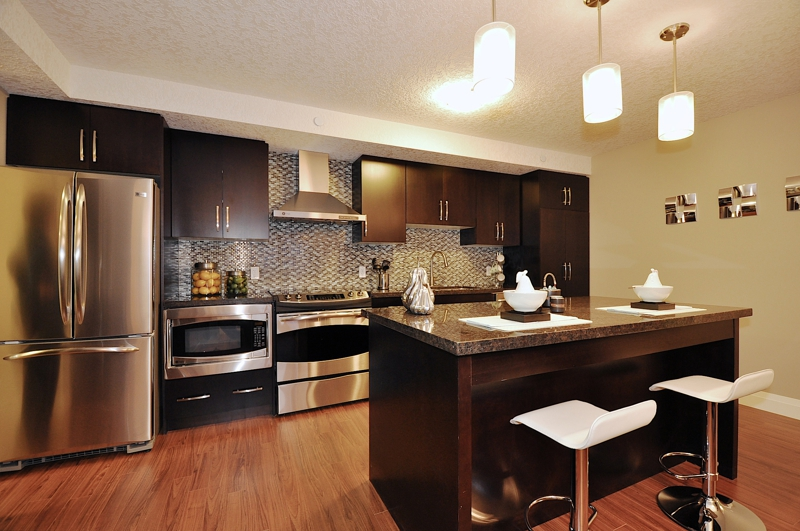 Reflections at laurelwood kitchener waterloo model condo - Kitchen designers kitchener waterloo ...