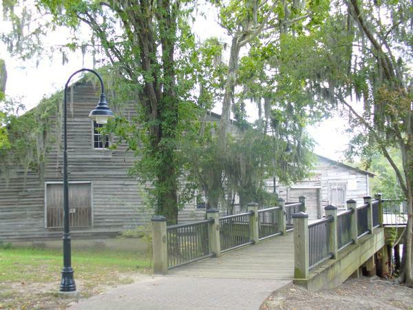 Myrtle beach haunted houses for Most haunted places in south carolina