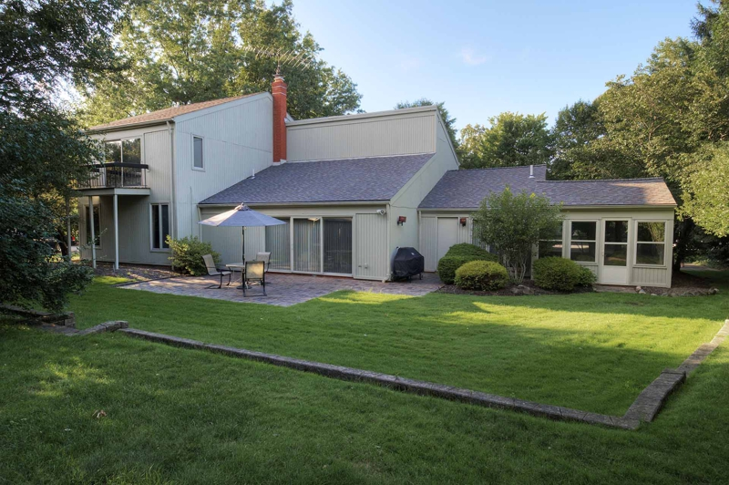 Pepper pike ohio home for sale in law suite for House with inlaw suite for sale