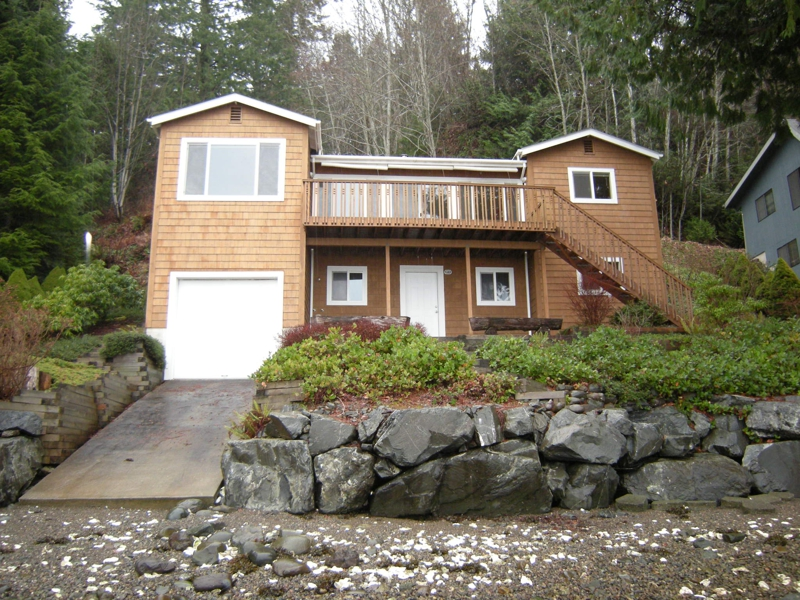 Majestic views waterfront hood canal waterfront mason county for Hood canal cabin for sale