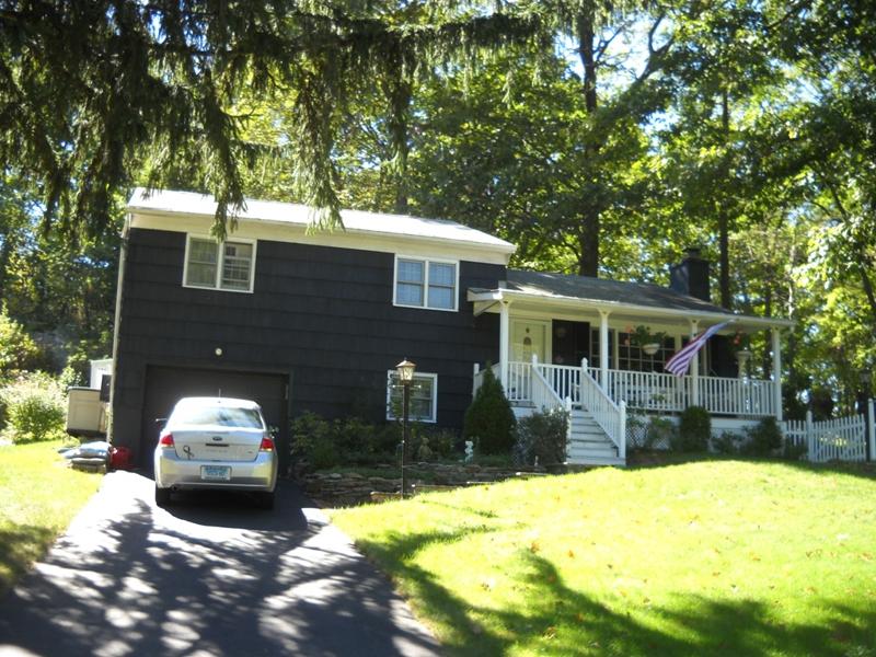 Pembroke Area Real Estate in Danbury,CT