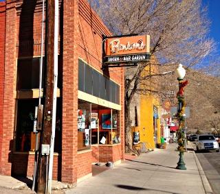 Want A Good Salida Colorado Restaurant Bensons Tavern Beer Garden