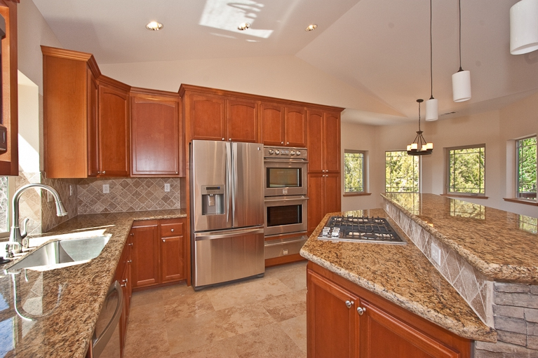 gourmet kitchen, highend, stainless steel appliances, granite countertops, stone tiles, cabinets, 1578 plateau, Montgomery Estates, South Lake Tahoe