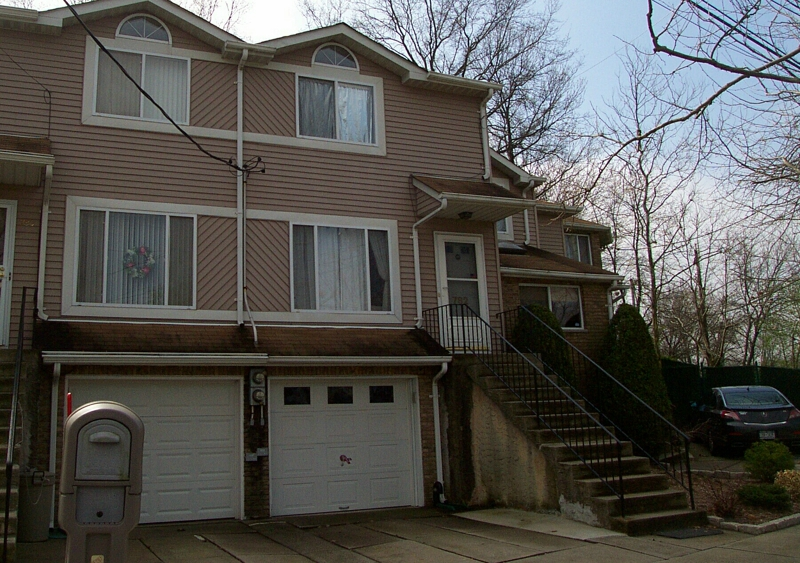2 bedroom, 2 bath, townhome in Eltingville, Staten Island