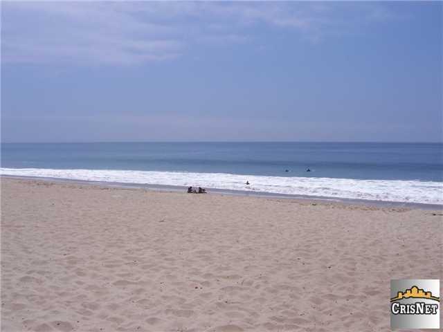 vacan land in the Santa Monica Mountain Range Endre Barath