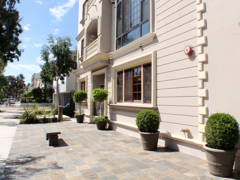 west hollywood adjecent luxury condominium Endre Barath