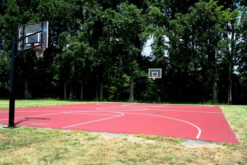 Basketball court at Woodfield