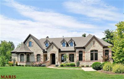 Luxury home sales in St. Louis