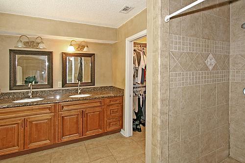 San jose forest 4 bedroom 3 5 bathroom home for sale in for Bathroom fixtures san jose