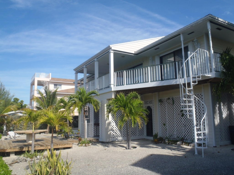 New property for sale in venetian shores islamorada 650 000 for Venetian shores