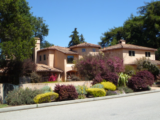 homes for sale in the santa cruz gardens