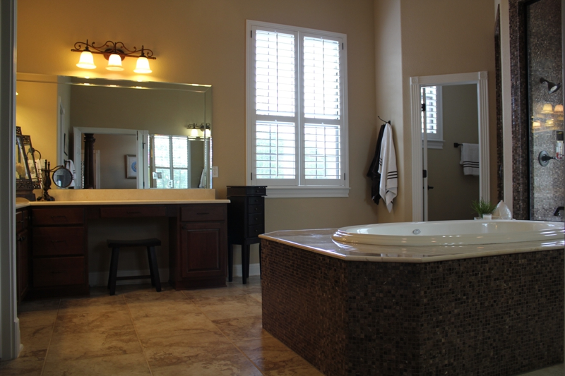 Steiner Ranch Austin TX Home for Sale master bathroom