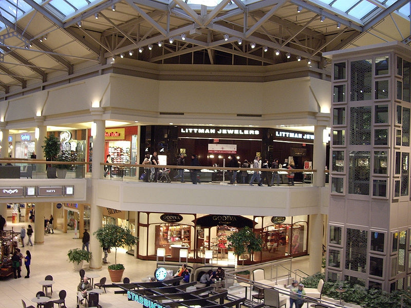 With stores, the Freehold Mall is the 2nd largest mall in NJ, offering all the important stores you can think of. The flagship stores you expect: Macy's, Sears and JCPenney. Then there is of course an Apple Store, Disney Store, Microsoft and some nice boutiques like Tillys, Marbles, Epic and Garage.