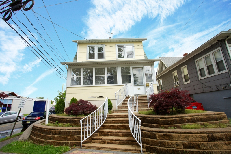 Floor Town Paramus Nj 2 Family Home For Rent At 80 E Century Rd Paramus Nj Homes For Sale In