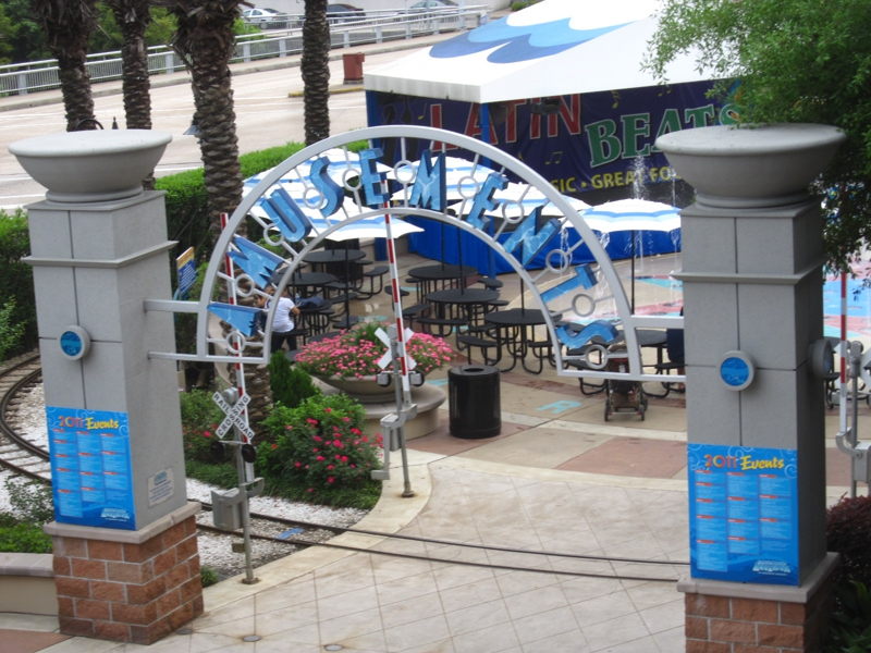 The Downtown Houston Aquarium Dinner And Entertainment