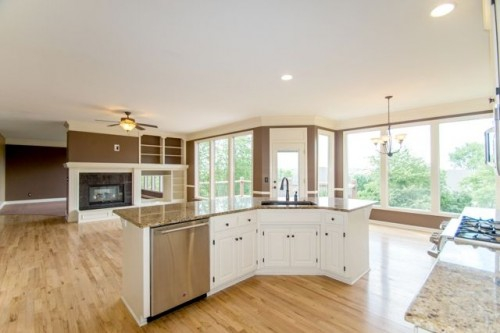 9904 W 147th St Overland Park Kansas Kitchen Breakfast Living