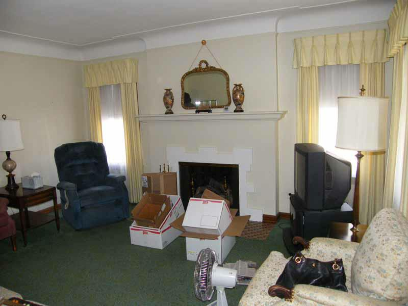 1930s living room with fireplace