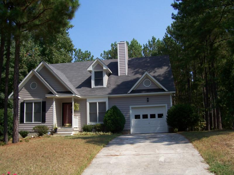 Apex, NC, Kelly Glen:  Cute home amongst the pines