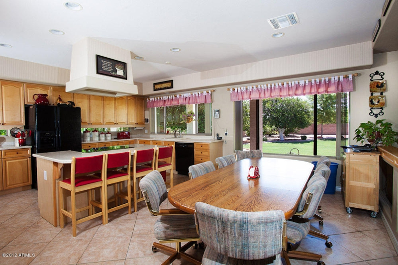 Beautiful Mesa Arizona homes for sale 6 bedrooms with 3 car garage RV  Parking close to Falcon Field and Phoenix Sky Harbor Airport. Beautiful Mesa Arizona homes for sale 6 bedrooms with 3 car garage