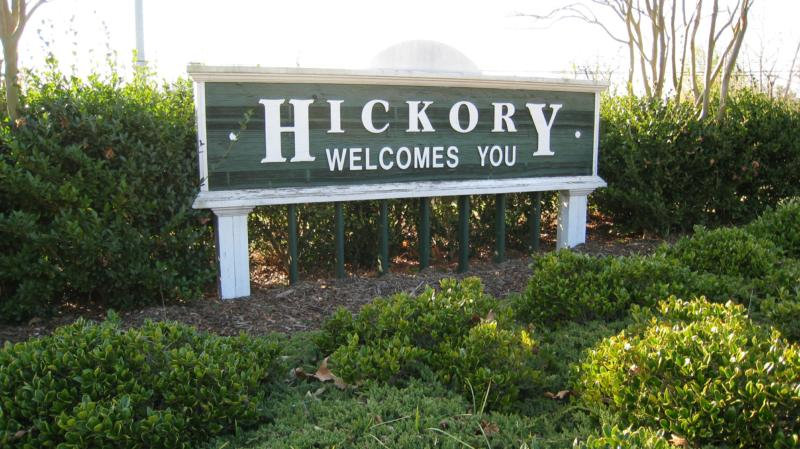 Hickory Welcomes You Sign
