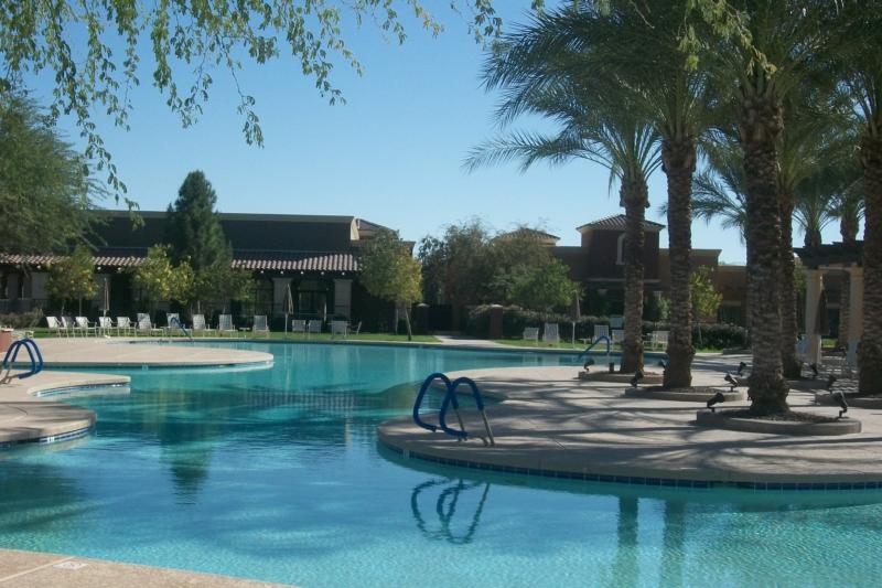 active adult living in maricopa az
