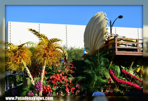 Rose Parade 2012 - Shell Float