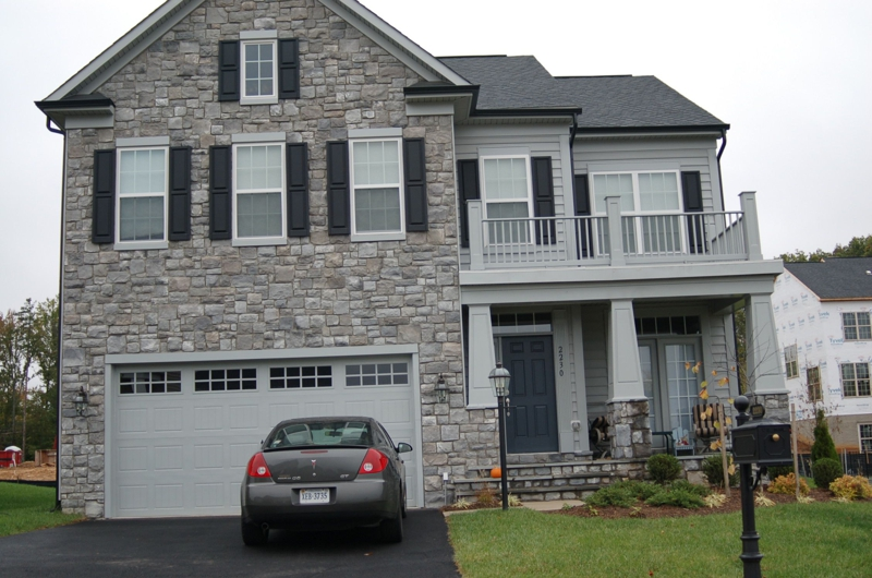 Stone Front Homes take a photo tour of port potomac subdivision in woodbridge virginia