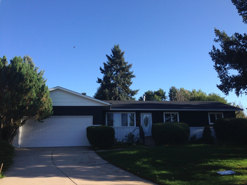 colorado springs 5 bedroom home with private yard near