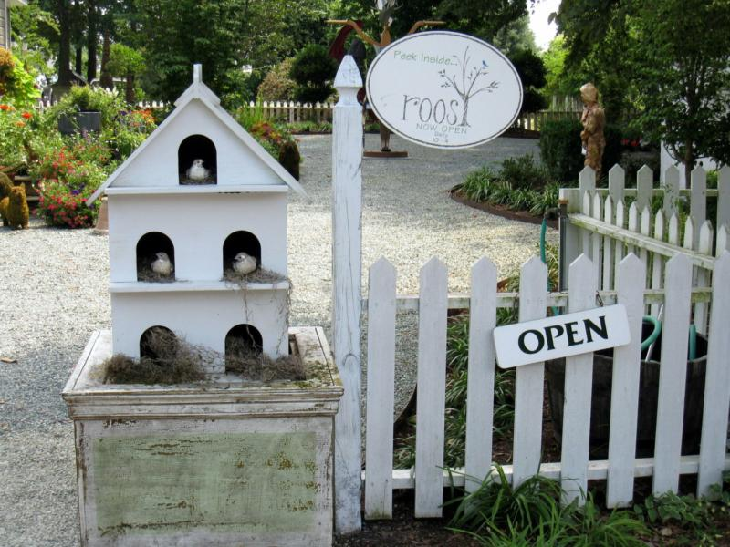 Roost-Cute things for the garden