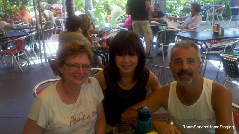 Lunch with Roger, Linda and Kathy