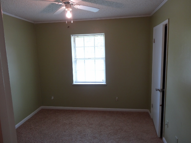 3 bedroom home for sale in Pineville La 71360