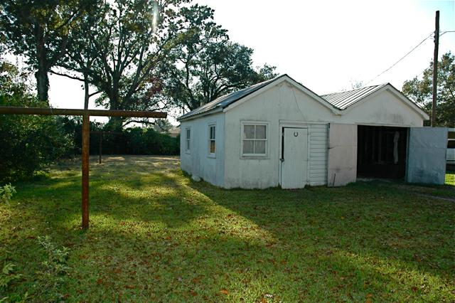 824 E. Vermilion, Lafayette, LA - Garage/workshop