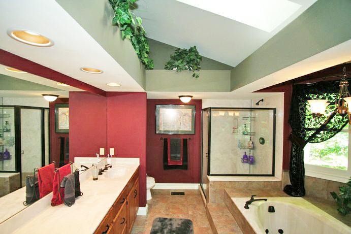 shiloh woods - master bath