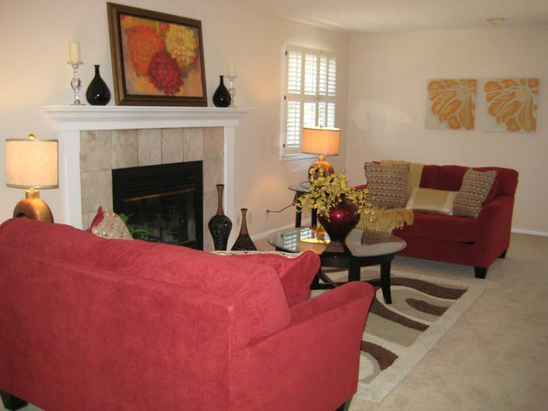 How to add drama and stage a living room - How to stage a living room ...