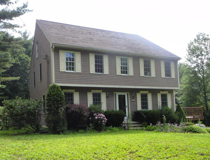 3 bedroom garrison colonial for sale in charlton 01507 for Garrison colonial house plans