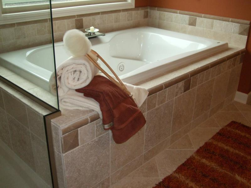 Tile tub surrounds tile options and ideas for your for Master bathroom tub ideas