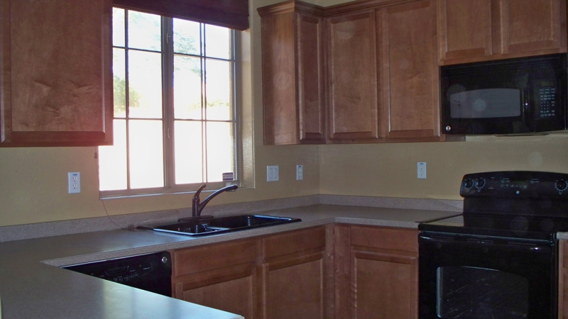 3 bedroom 2.5 bath short sale in Peoria AZ